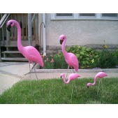 FAMILY of PINK FLAMINGOS Family Retro Lawn/Yard Art Ornament - Set of 4