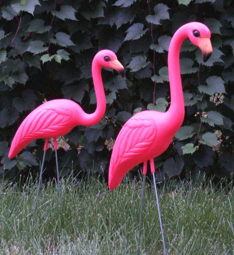 Classic PINK FLAMINGOS YardLawn Ornaments Set of 2 1295